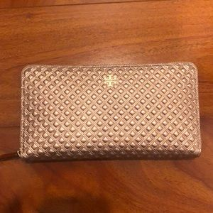 Tory Burch Wallet (Brand New Never Used)